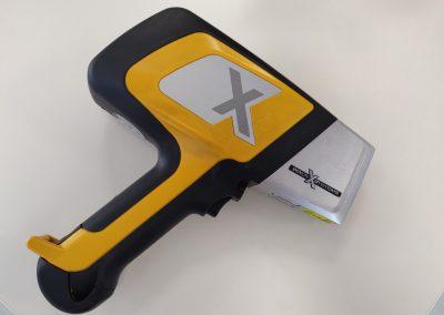 Analizzatore XRF portatile Delta Standard (leghe e metalli) – Usato e ricondizionato